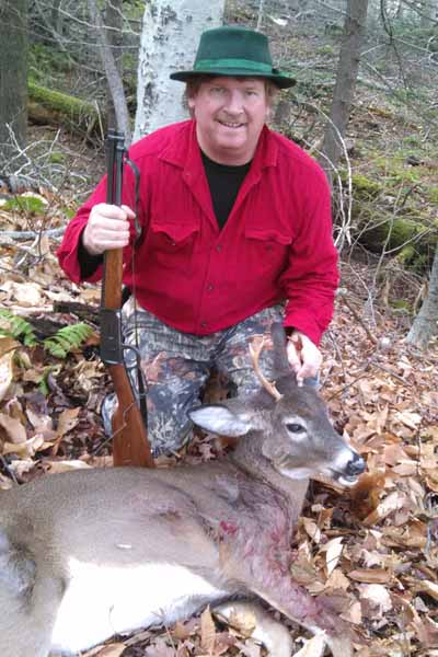 Dan Ladd, 4-pointer (maybe an Adirondack 6) taken Dec. 3 in Hogtown, NY