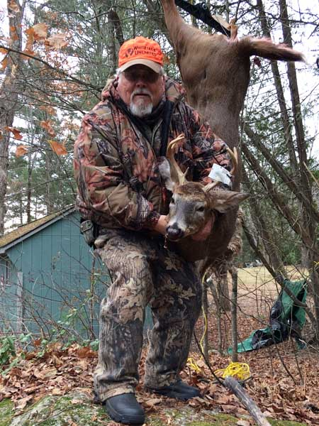 2017: Mike Ames with a Scrhoon Lake 5-pointer